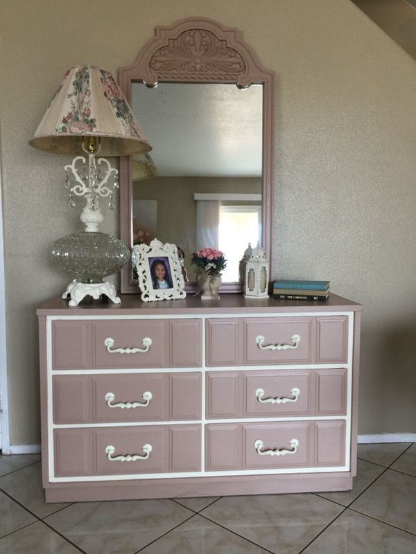 Lovely Shabby Chic Dresser/Buffet/Sideboard (Furniture) In Victorville, CA