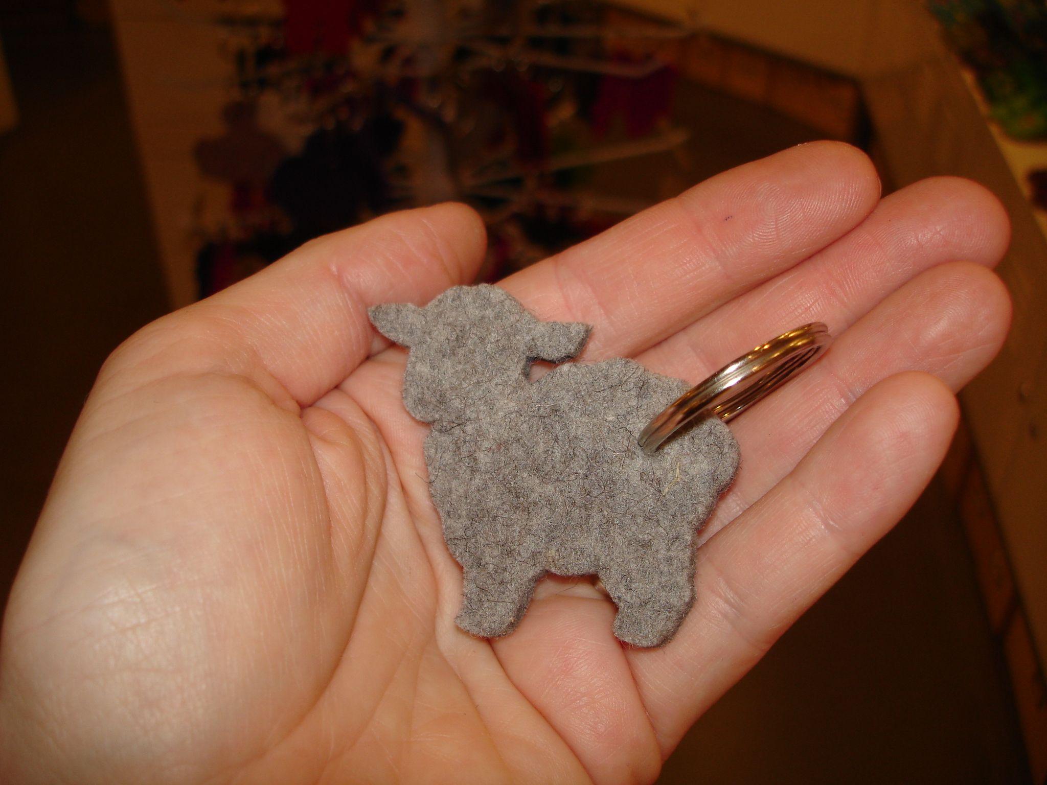 Schlüsselanhänger aus Wollfilz - Schäfchen