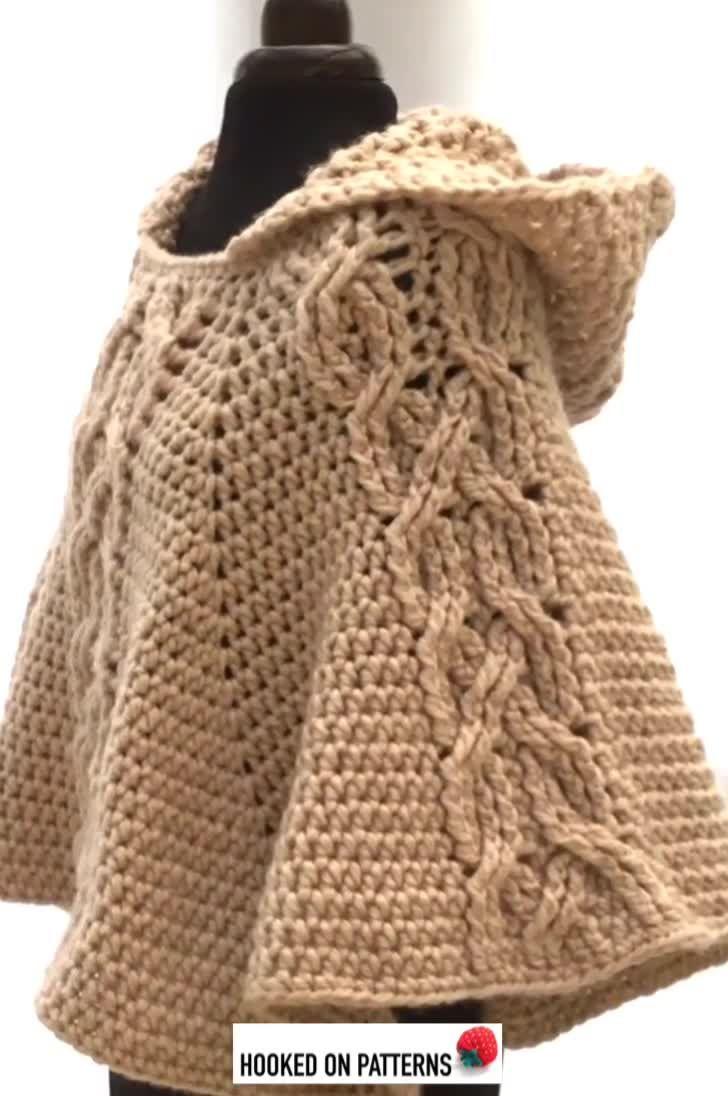 Hooded Poncho Crochet Pattern - Milena #ponchoscrochet