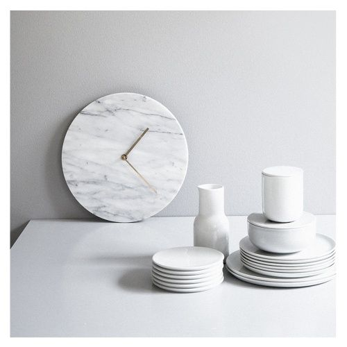 Wanduhr Marble - Elegante Wanduhr aus Carrara Marmor - designed by Norm Architects