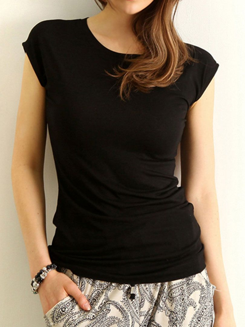 Black slit back round neck tshirt ropa que me gusta pinterest