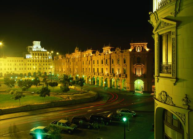 Night view of the Plaza San Martin in Lima.