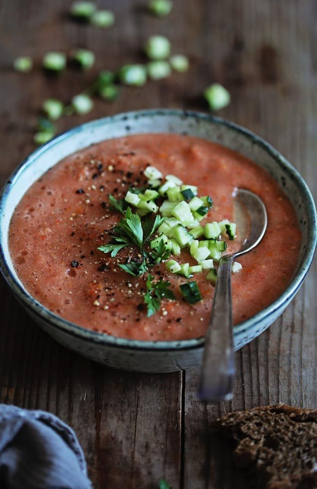 The Easiest Tomato Gazpacho | http://hellonatural.co/weekend-kitchen-easy-tomato-gazpacho/
