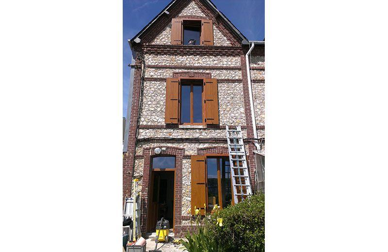 Pose de fenêtres PVC et porte du0027entrée PVC dans la région de Rouen