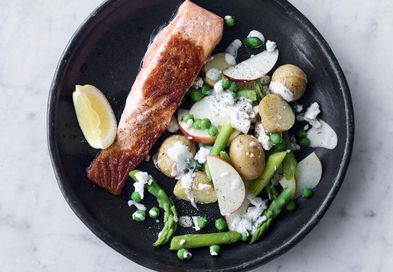 Denne ret er skøn hverdagsmad! Den består af masser af fed fisk og velsmagende grønne sager til.