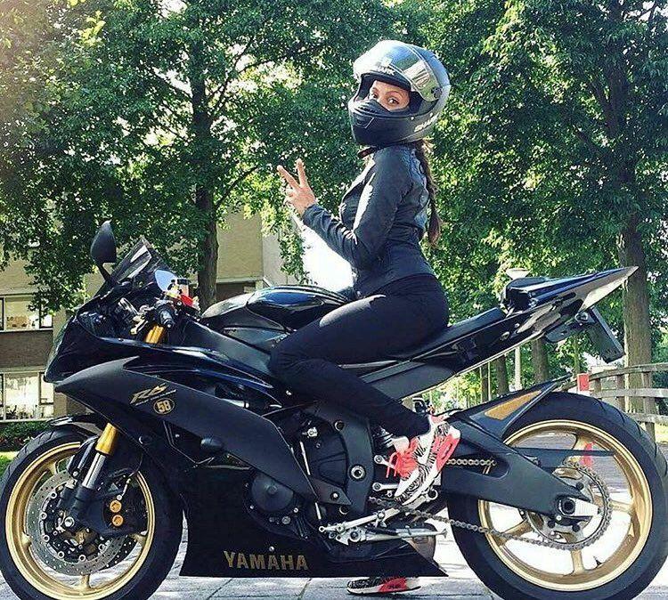 Femme cherche motard pour balade