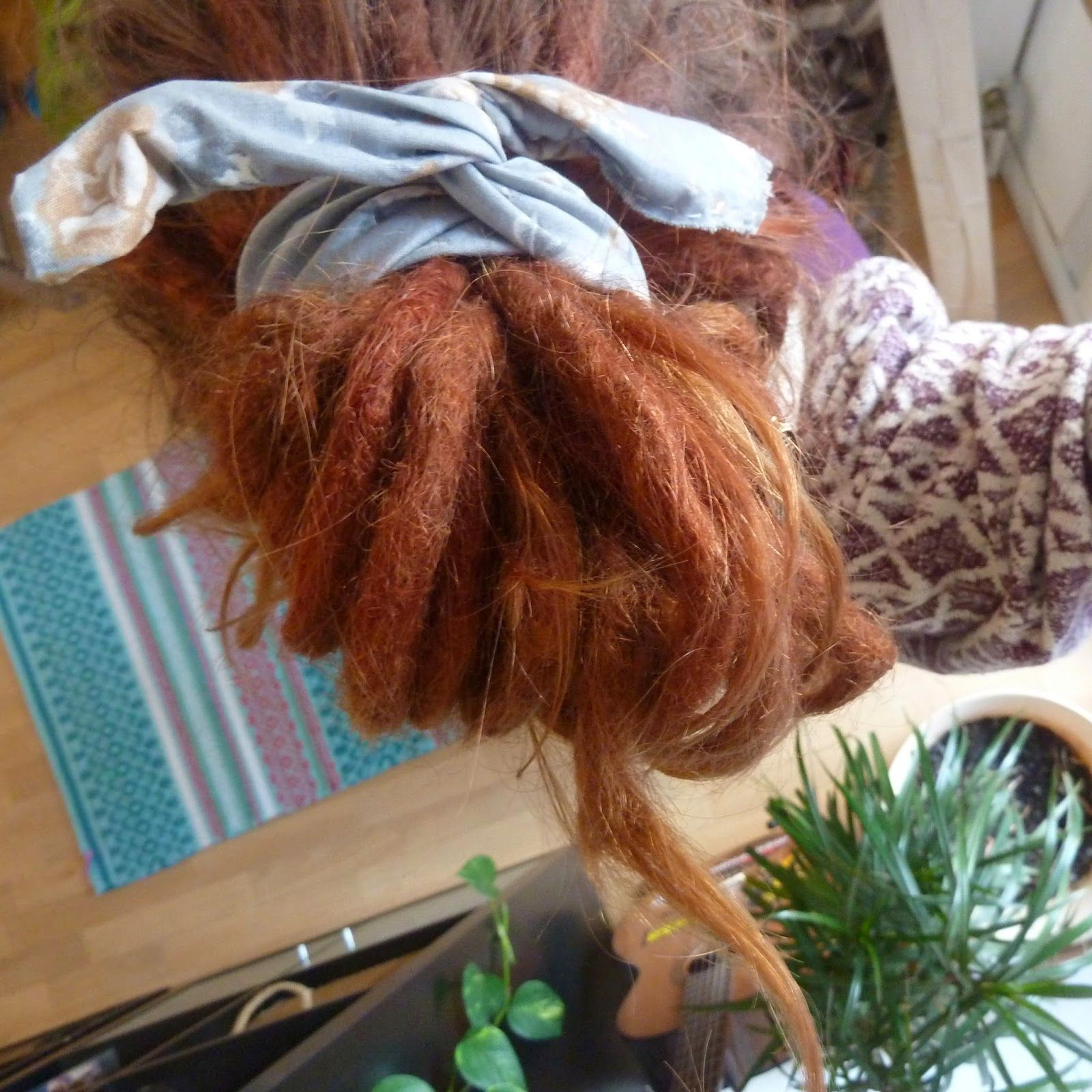 Selbstgemachtes Haarband mit Draht für individuelle Frisuren ...