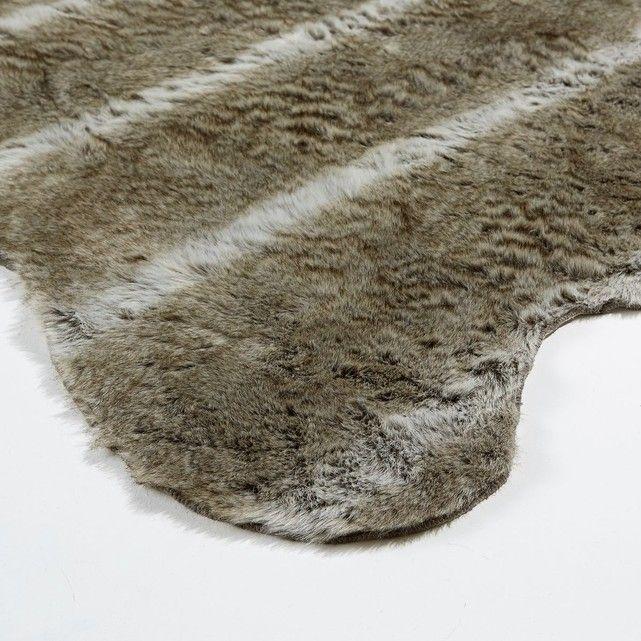 tapis longues imitation fourrure fa on peau de loup wulpi parfait pour insuffler de la douceur. Black Bedroom Furniture Sets. Home Design Ideas