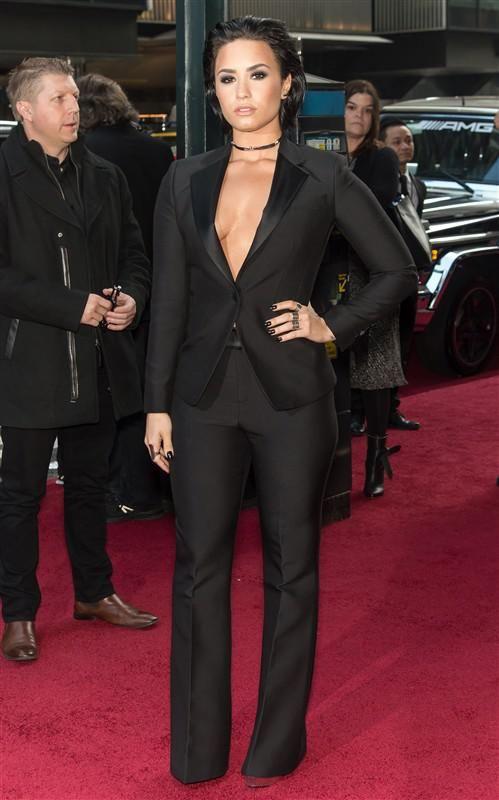 Celebrity : LeatherCult.com, Leather Jeans   Jackets   Suits