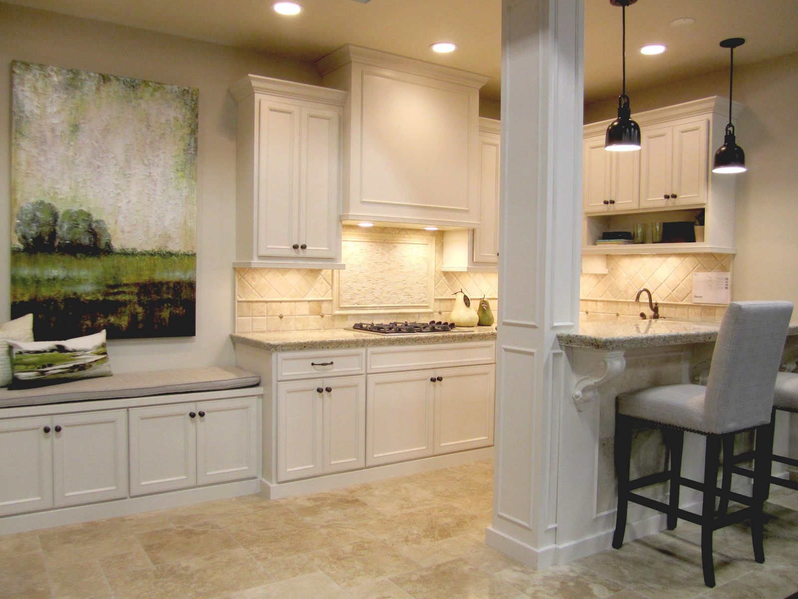 A cheery and inviting kitchen featuring our Bucak Travertine Versailles pattern on the floor #tile #thetileshop #travertine