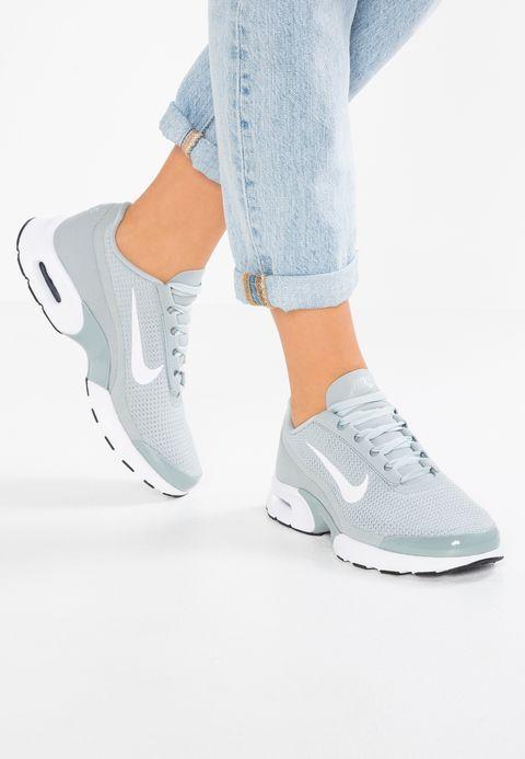 Pin en Zapatillas deportivas mujer nike