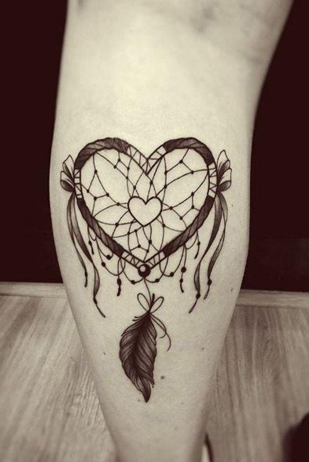 40 id es de tatouages de c ur pour les romantiques tatouages attrape r ves jolis tatouages et - Tatouage attrape reve cuisse ...