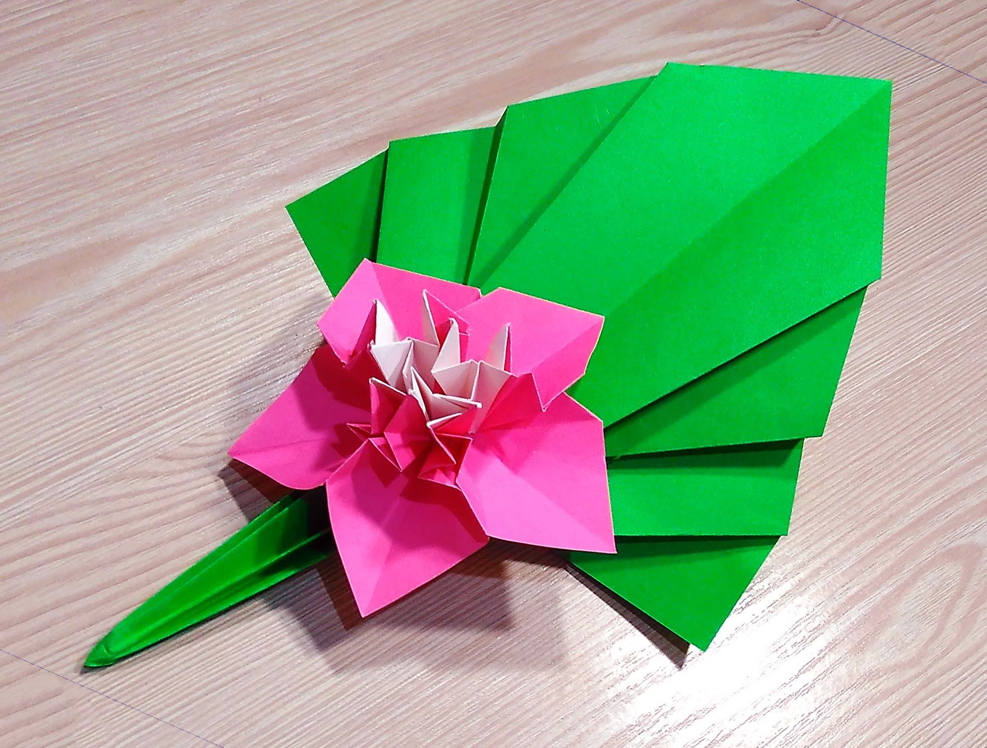 Origami leaf. Easy way to decorate your room. | * Origami ... - photo#3