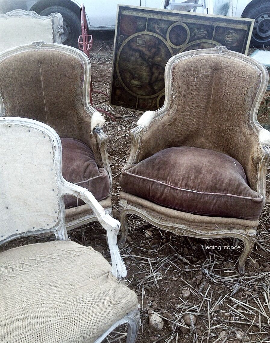 fleaingfrance:  FleaingFrance……the chairs that may have gotten away. I hate it when I forget to go back and get a phone number! viafleaing...