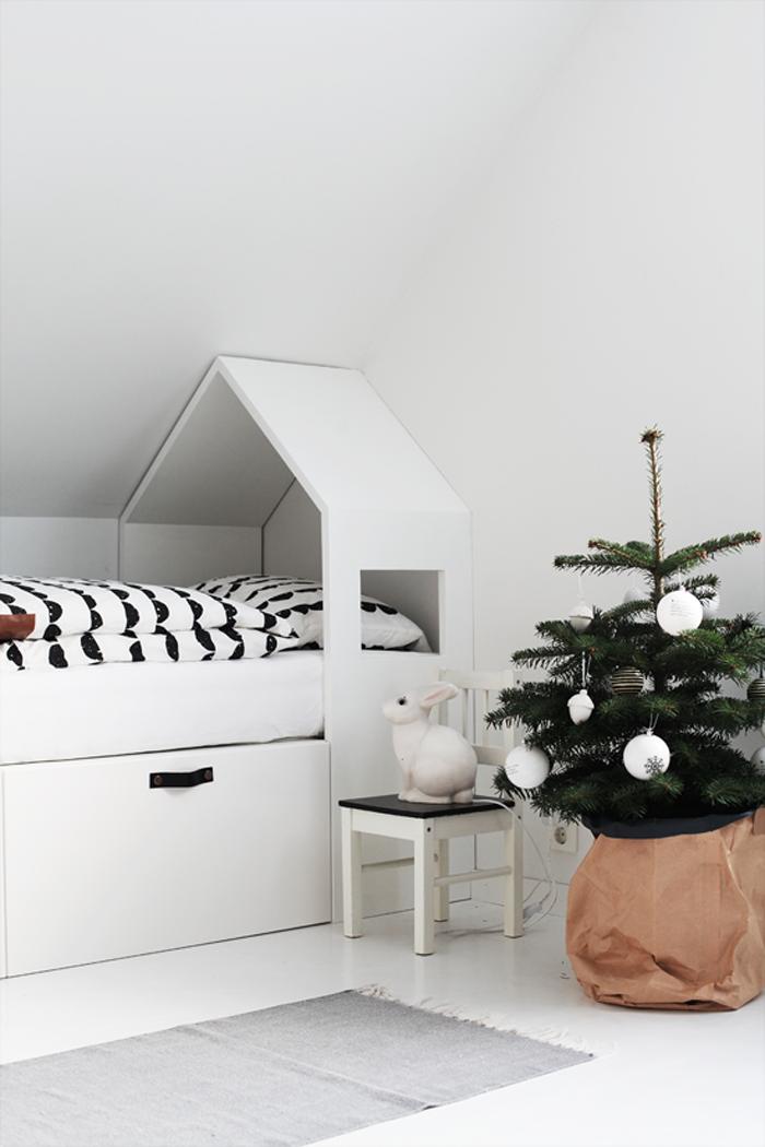 Ein kleines dach f r 39 s bett kids room schlafzimmer for Bett scandinavian design