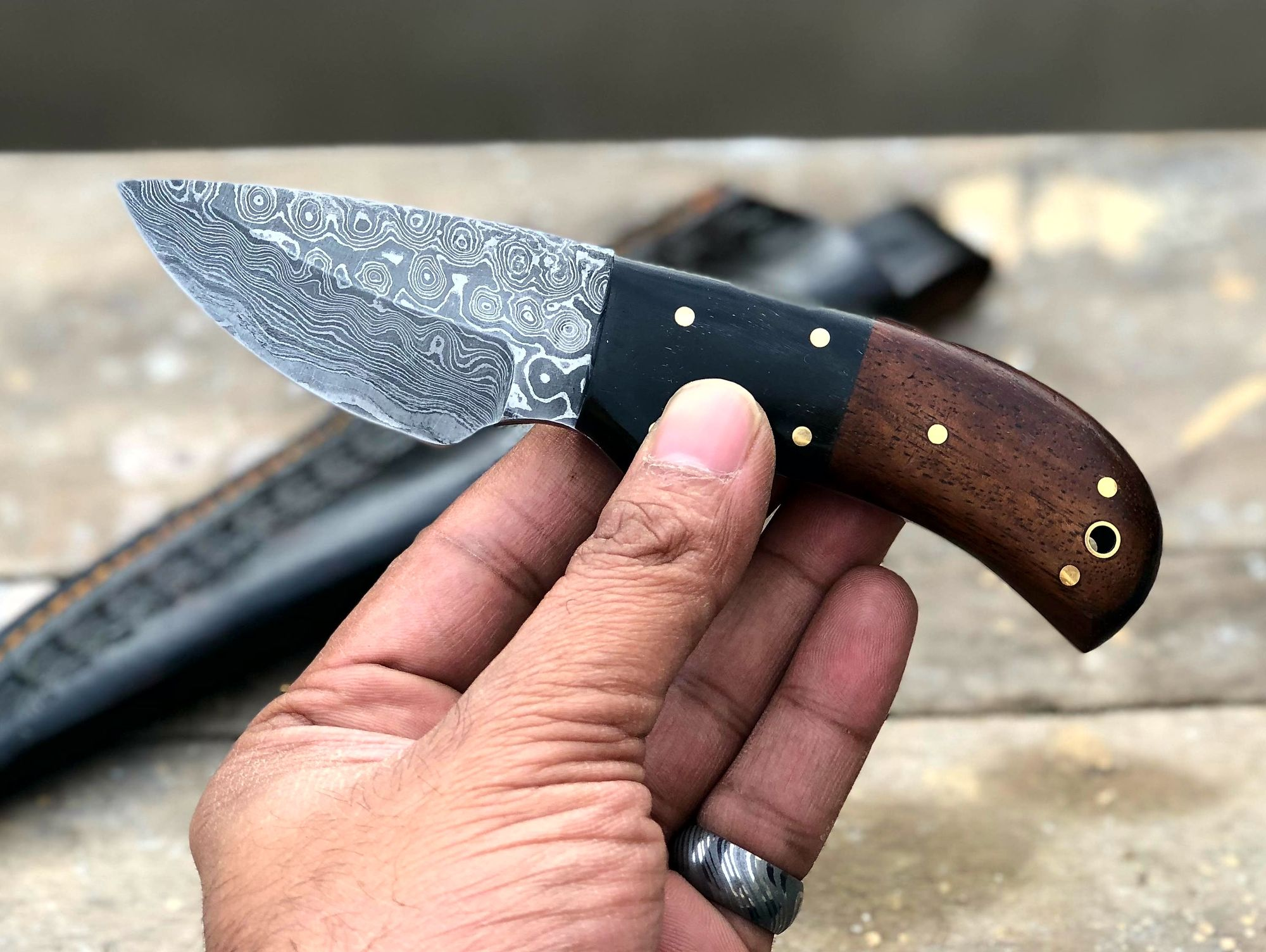 Knives Zone Custom Handmade Damascus Steel Stag Horn Hunting Knife With Leather Sheath With Images Knife Leather Sheath Damascus Steel Knife