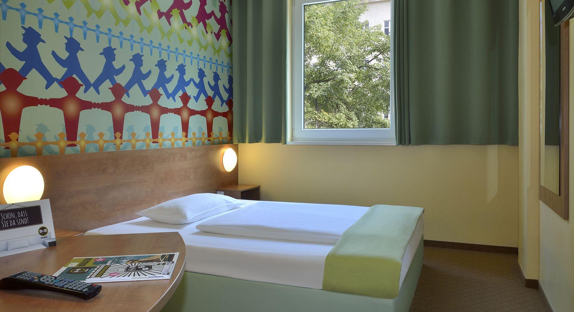 Zimmer Mit Franzosischem Bett Im B B Hotel Berlin Potsdamer Platz