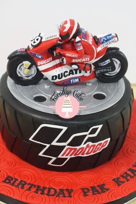 Incredible Ducati Cake Resize Motorcycle Cake Motorcycle Birthday Cakes Funny Birthday Cards Online Alyptdamsfinfo
