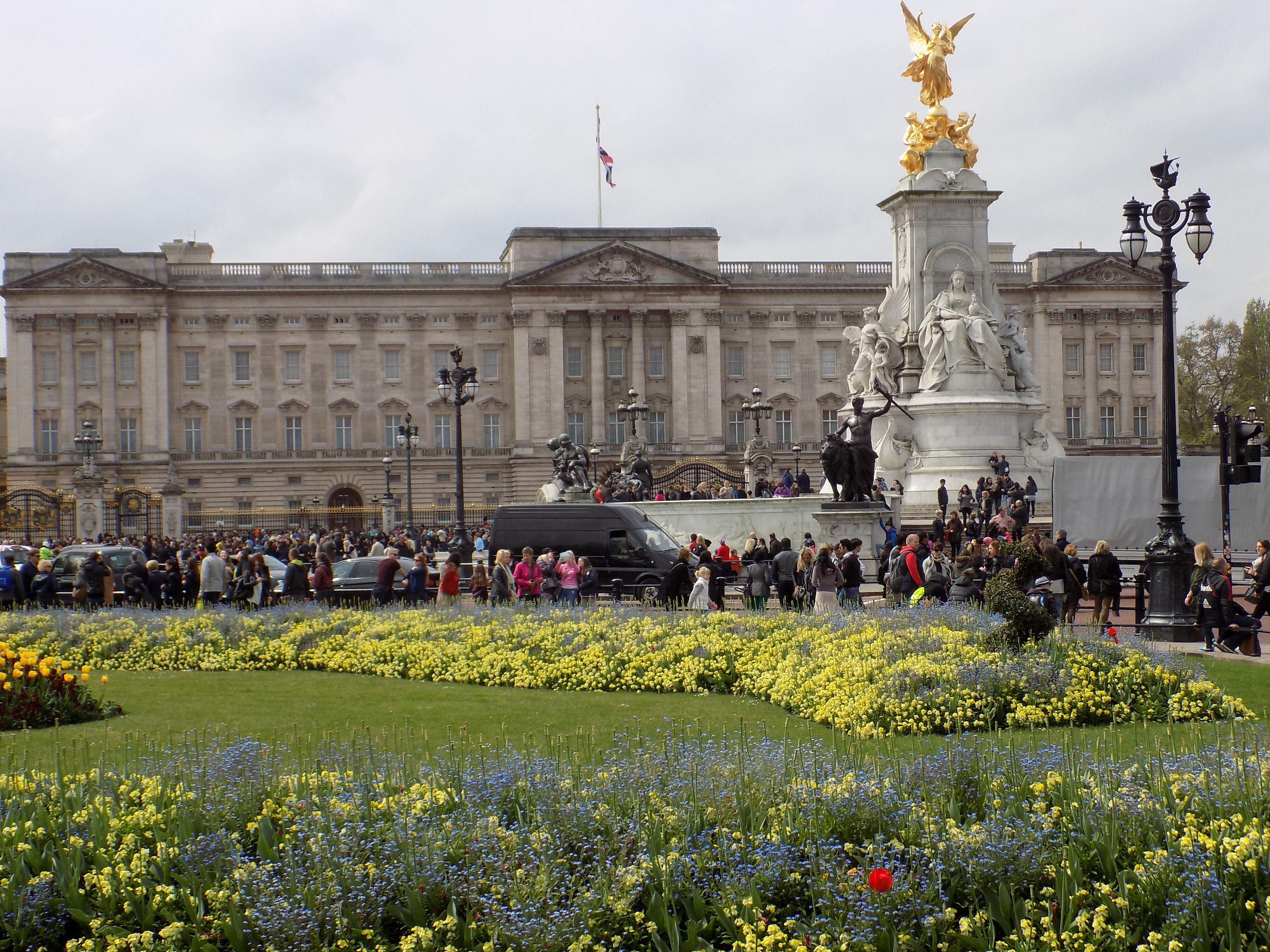 news from buckingham palace - HD3648×2736