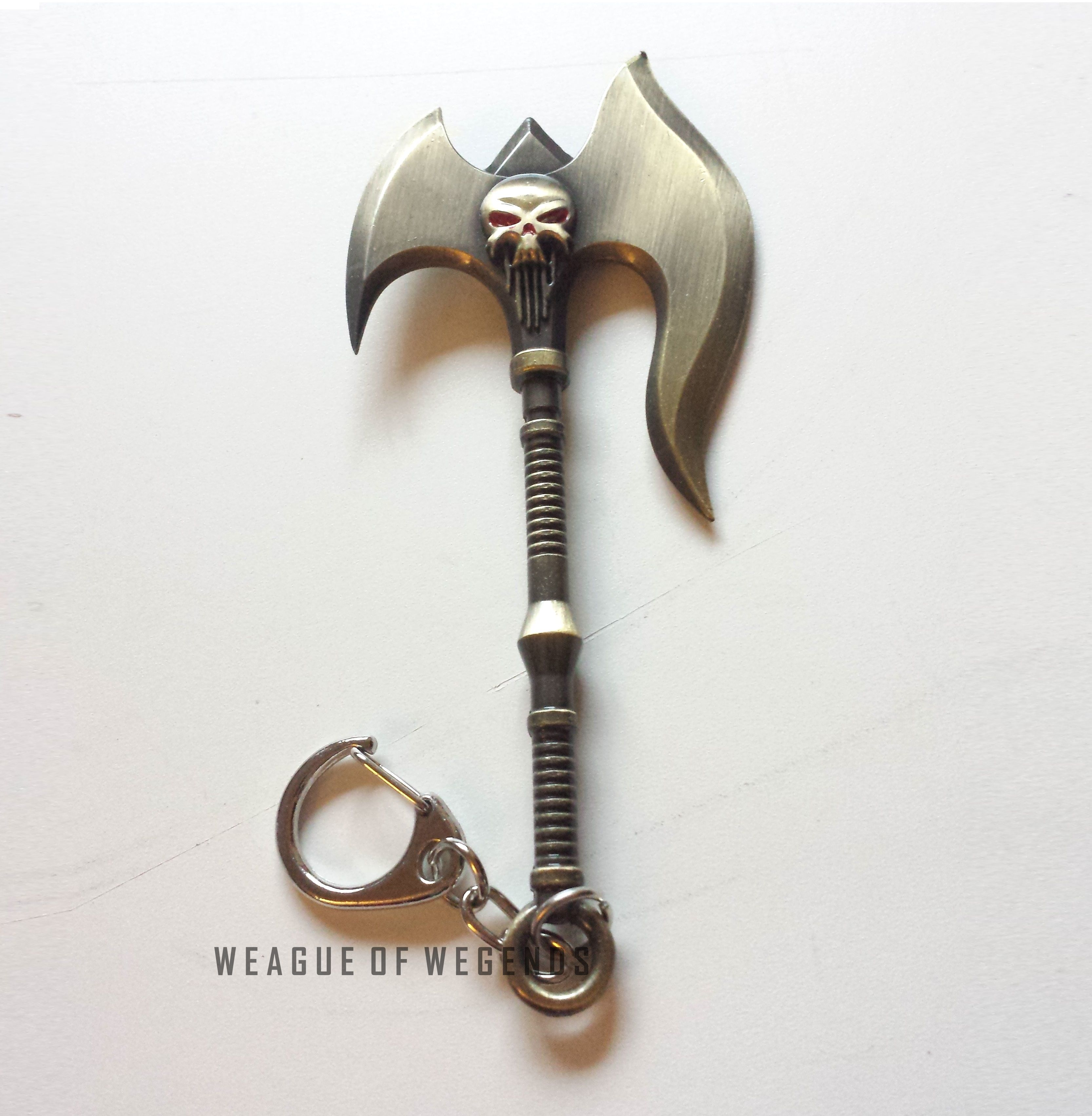 """This+is+Darius'+axe+from+League+of+Legends!+Perfect+for+any+Darius+fans.  Material+:+Alloy Condition:+Brand+new Size:+5""""+  *If+you+want+this+product+as+a+necklace,+please+write+it+in+your+note+and+I+will+do+that+for+you+free+of+charge."""