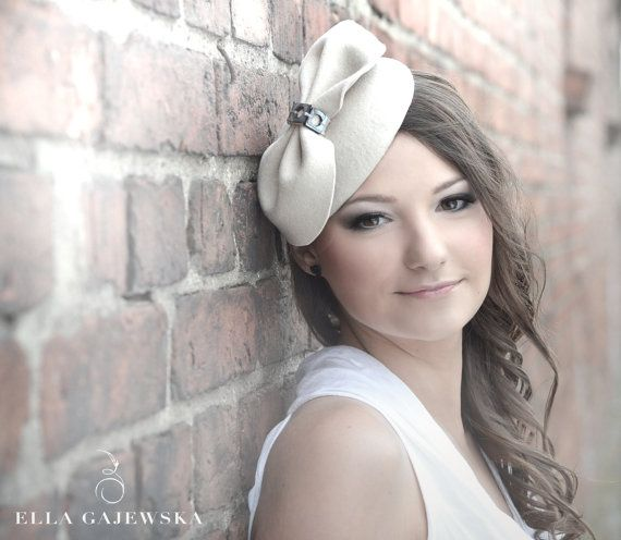 Beige Pillbox Hat Cocktail Mini Head Piece Handmade Party Accessories Headpiece Fascinator Weddings Felt Bow Hair Piece All Year Round Hats