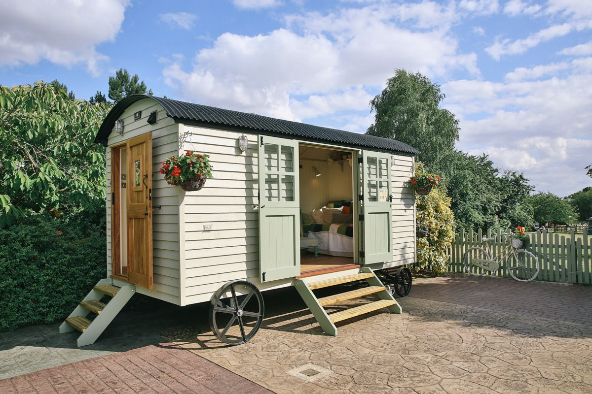 8 Amazing Shepherd Huts You Can Stay In The Uk London Evening Standard Tiny House Living Shepherds Hut Home