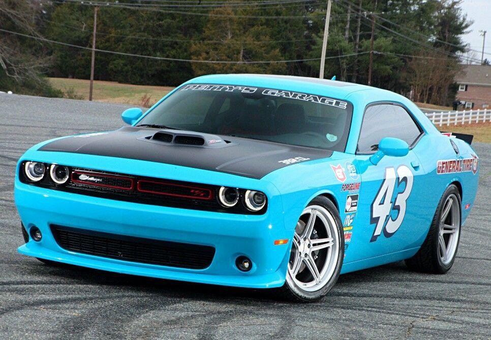 Custom Dodge Challenger Richard Petty edition Super cars