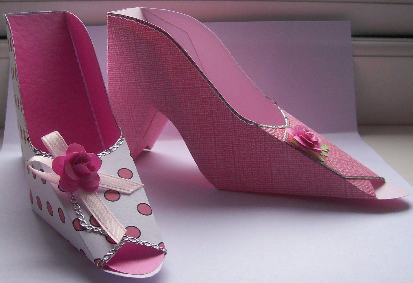 Открытка туфля