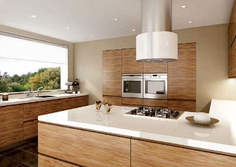 Nowoczesna Drewniana Kuchnia Bez Uchwytow Kitchen Design Trends Kitchen Units Modern Kitchen