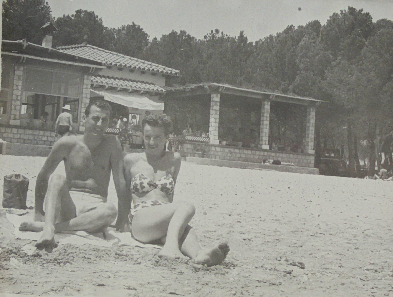 1950 S Photograph Couple On Palma Nova Beach Majorca Mallorca By Loosloft On Etsy Old Photos Photographer Majorca
