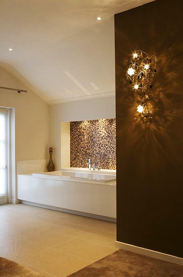 Villa in landelijke stijl. Meer badkamer en woon inspiratie vind je ...