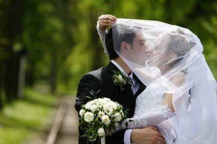 """""""L'Amore non è una passione. L'Amore non è una emozione. L'amore è una comprensione profonda del fatto che in qualche modo l'altro ti completa. Qualcuno ti rende un cerchio perfetto; la presenza dell'altro rinforza. OSHO #matrimonio #matrimoniopartystyle #wedding #weddingplanner #bride #futurisposi #poesia #amore #tiamo #love #scriviamoassiemelavostrafavola"""