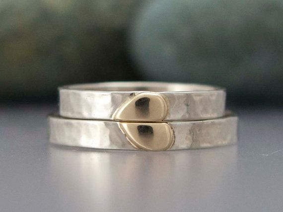 Solid Gold Heart Wedding Ring Set 3mm Wide Bands In Two Tone Etsy Heart Wedding Rings Sets Heart Wedding Rings Gold Wedding Band Sets