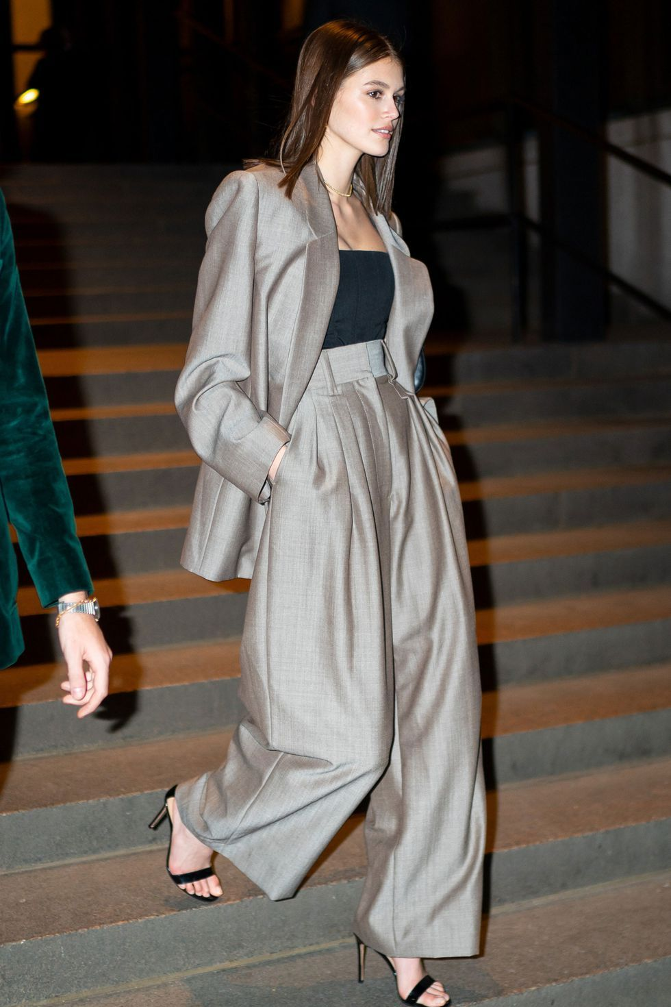 50 perfect A-list trouser-suit moments – Studio Solasta