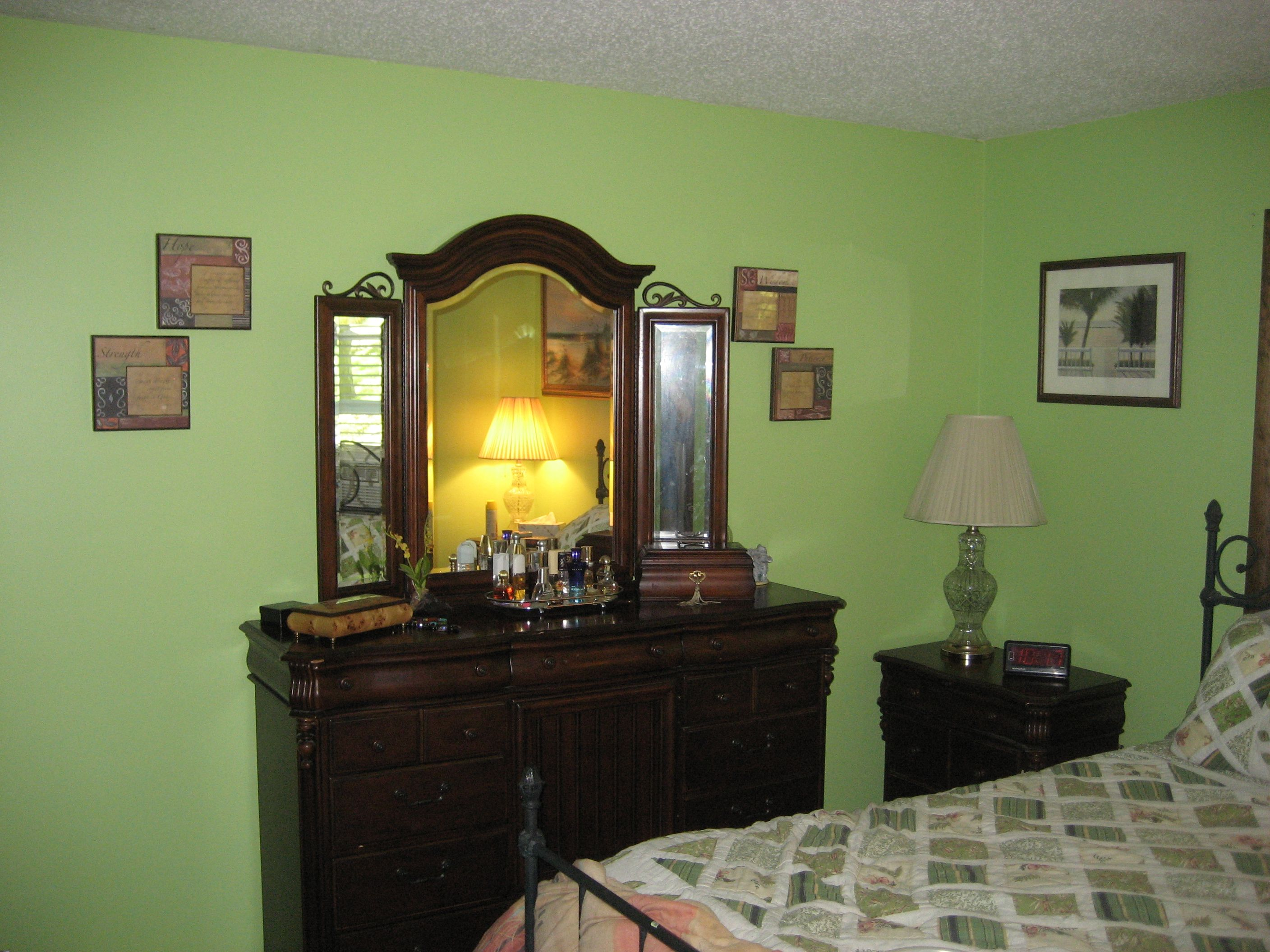 Basket beige sherwin williams - The Color Is Dancing Green By Sherwin Williams I Wanted Green In My Bedroom