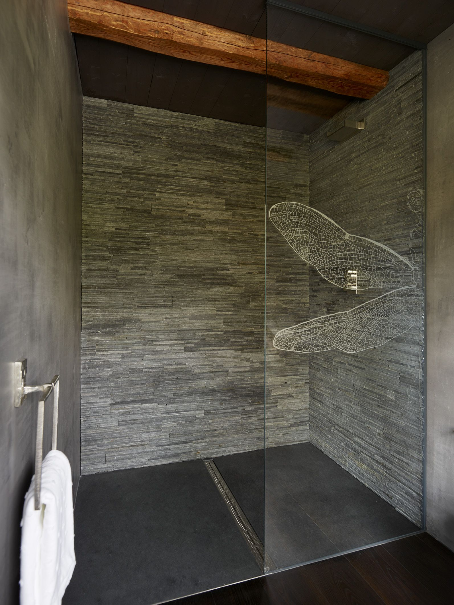Shower Floor Tiles Which Why And How: Split Face Grey Slate Shower Wall With Honed Black Slate