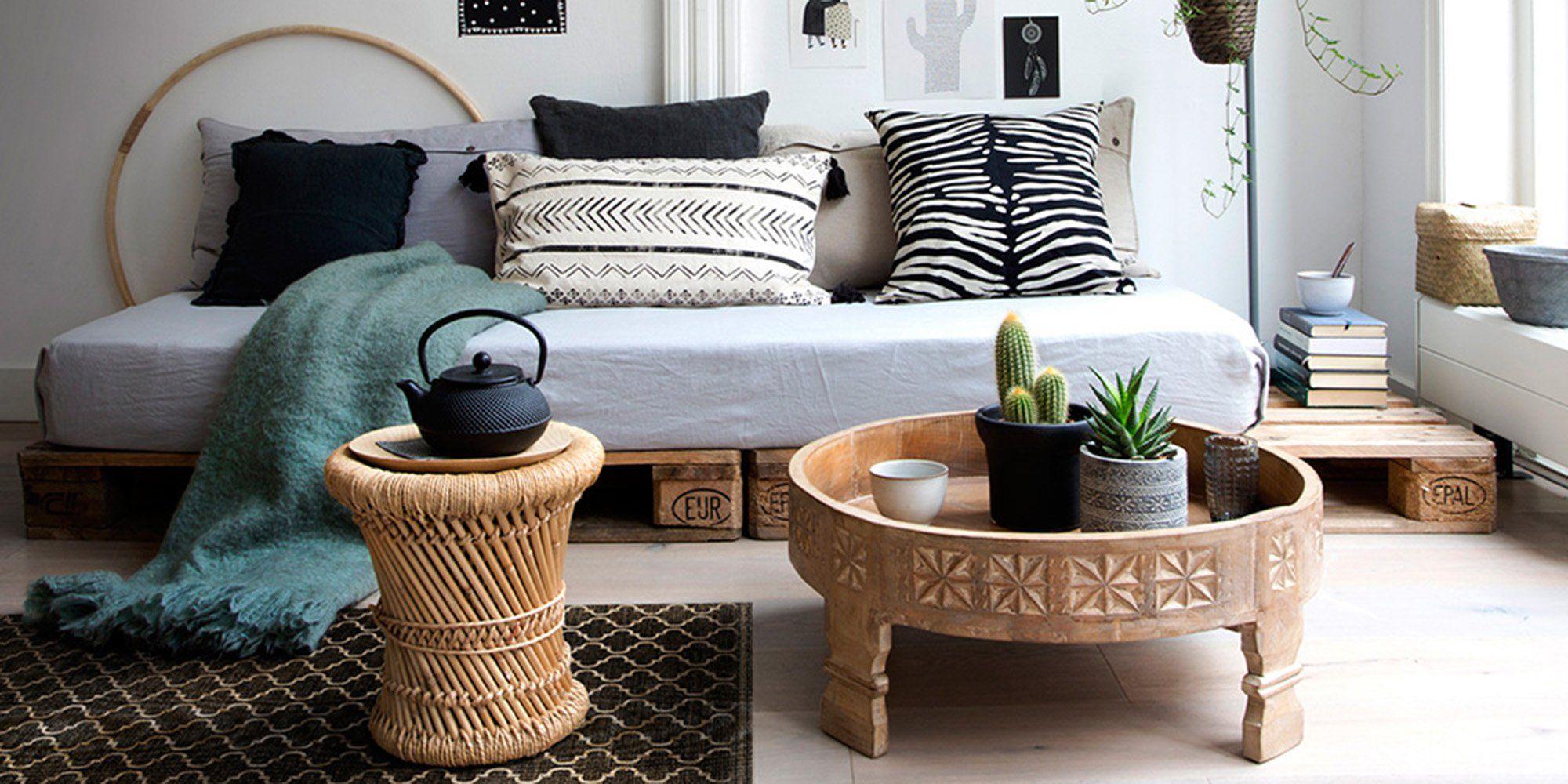 acheter populaire 66dd7 3896c salon ethnique avec table ronde basse en bois et table en ...