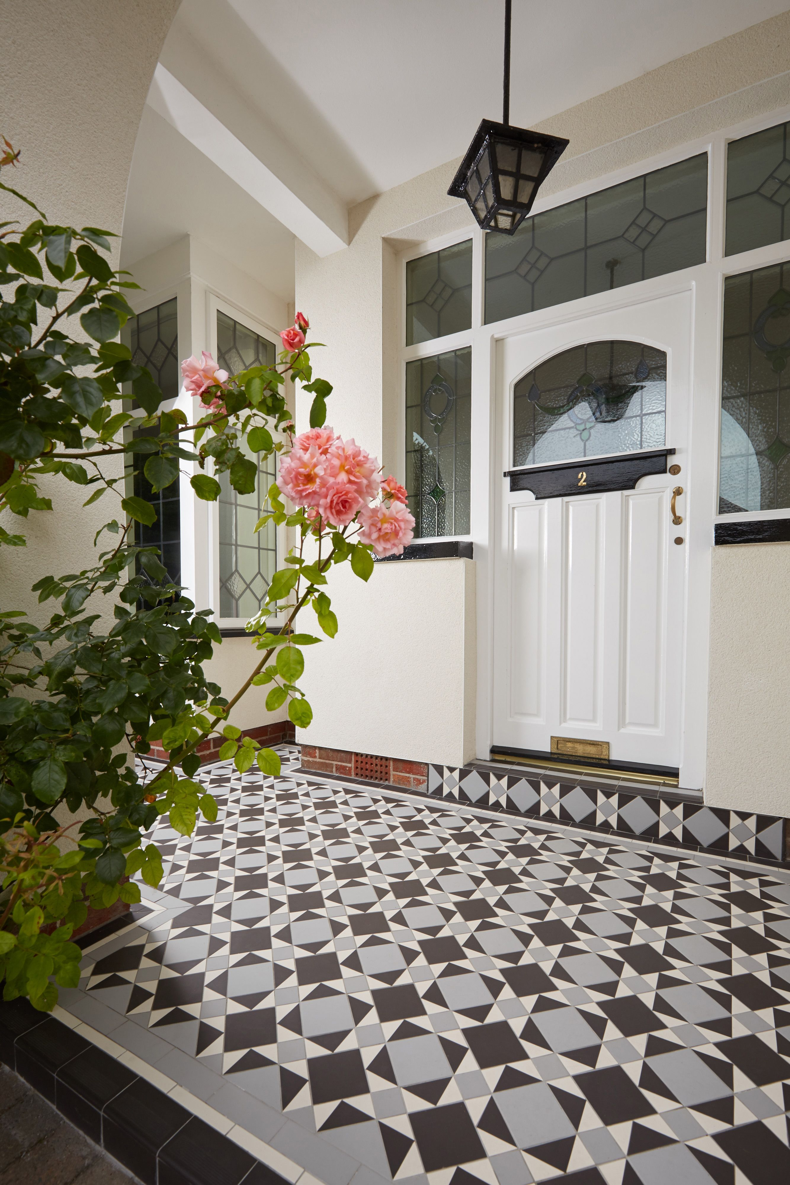 The lambeth pattern victorian floor tiles by original style uk the lambeth pattern victorian floor tiles by original style uk dailygadgetfo Gallery