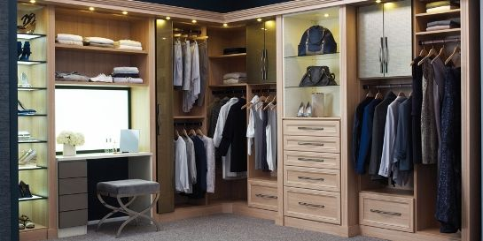 Walk In Closet With A Makeup Station Ideas   Vanity In Walk