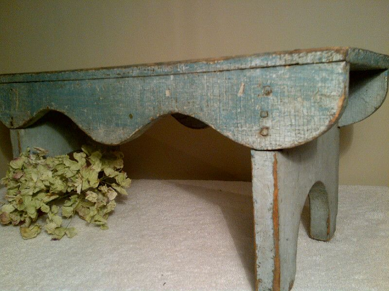 Marvelous Wonderful Aged Paint On This Small Primitive Bench Old Bralicious Painted Fabric Chair Ideas Braliciousco