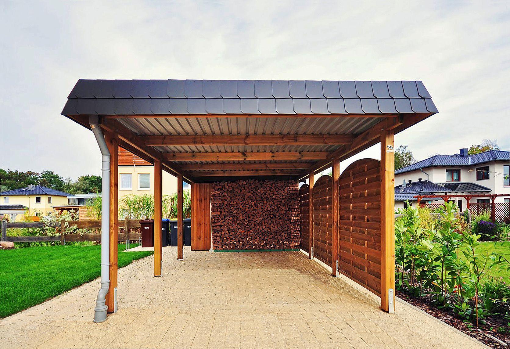 Holzcarport Mit Schindelblende Und Gerateraum Eine Seite Mit Sichtschutzelementen Verkleidet Carport Holz Carport Flachdach