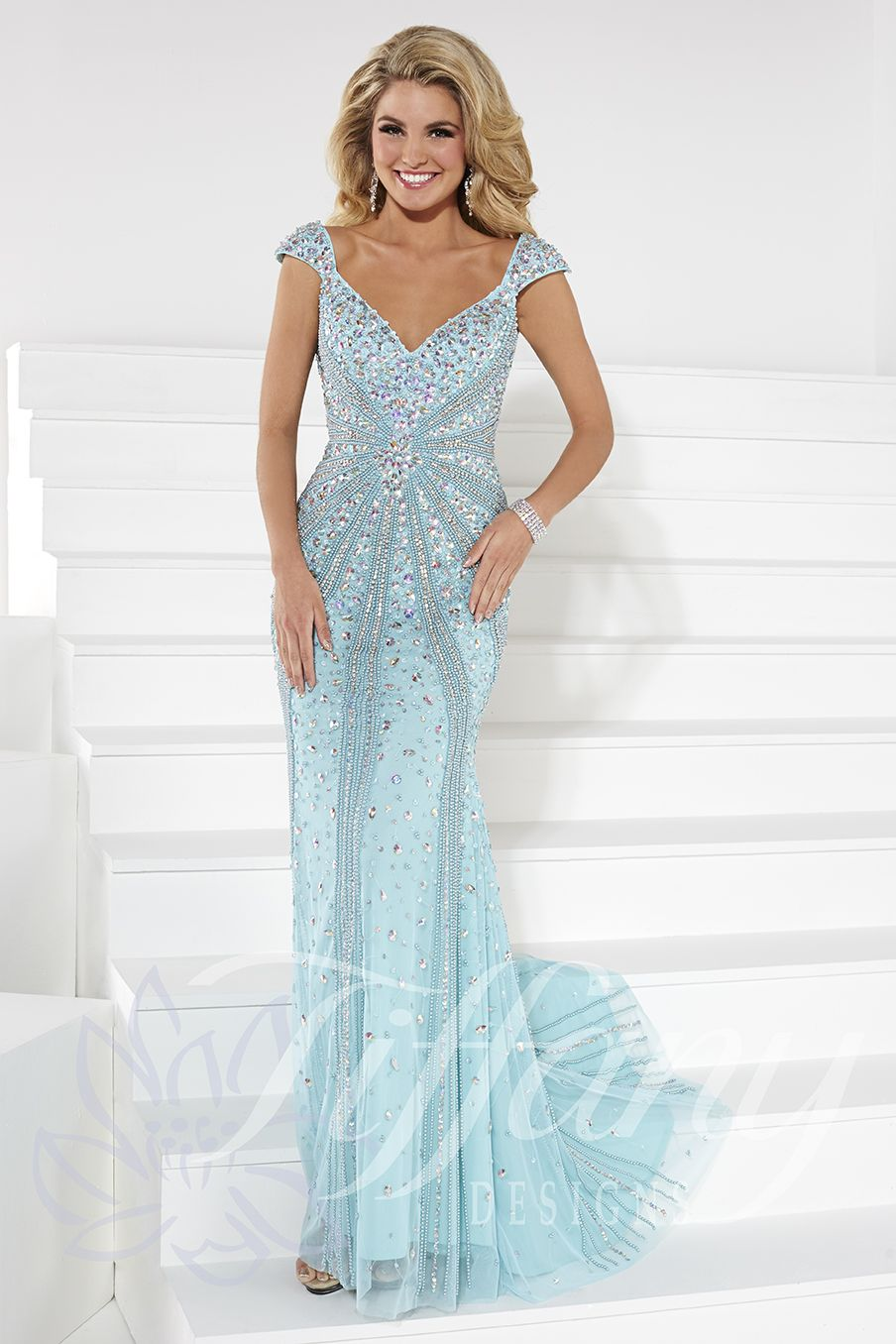 Tiffany Designs Style 16092: This stunning, slimming design is a ...