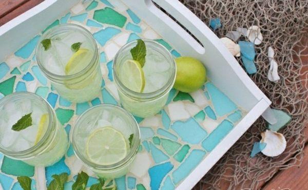 Perfekte Garten Party Planen  Bunte Tablette Und Teller Als Tisch Deko  #bunte #garten