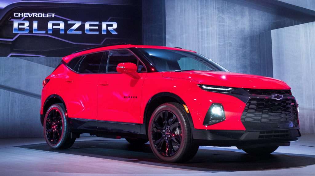 After 15 Years The Chevrolet Blazer Is Back With Images Chevrolet Blazer Chevy Trailblazer Chevrolet
