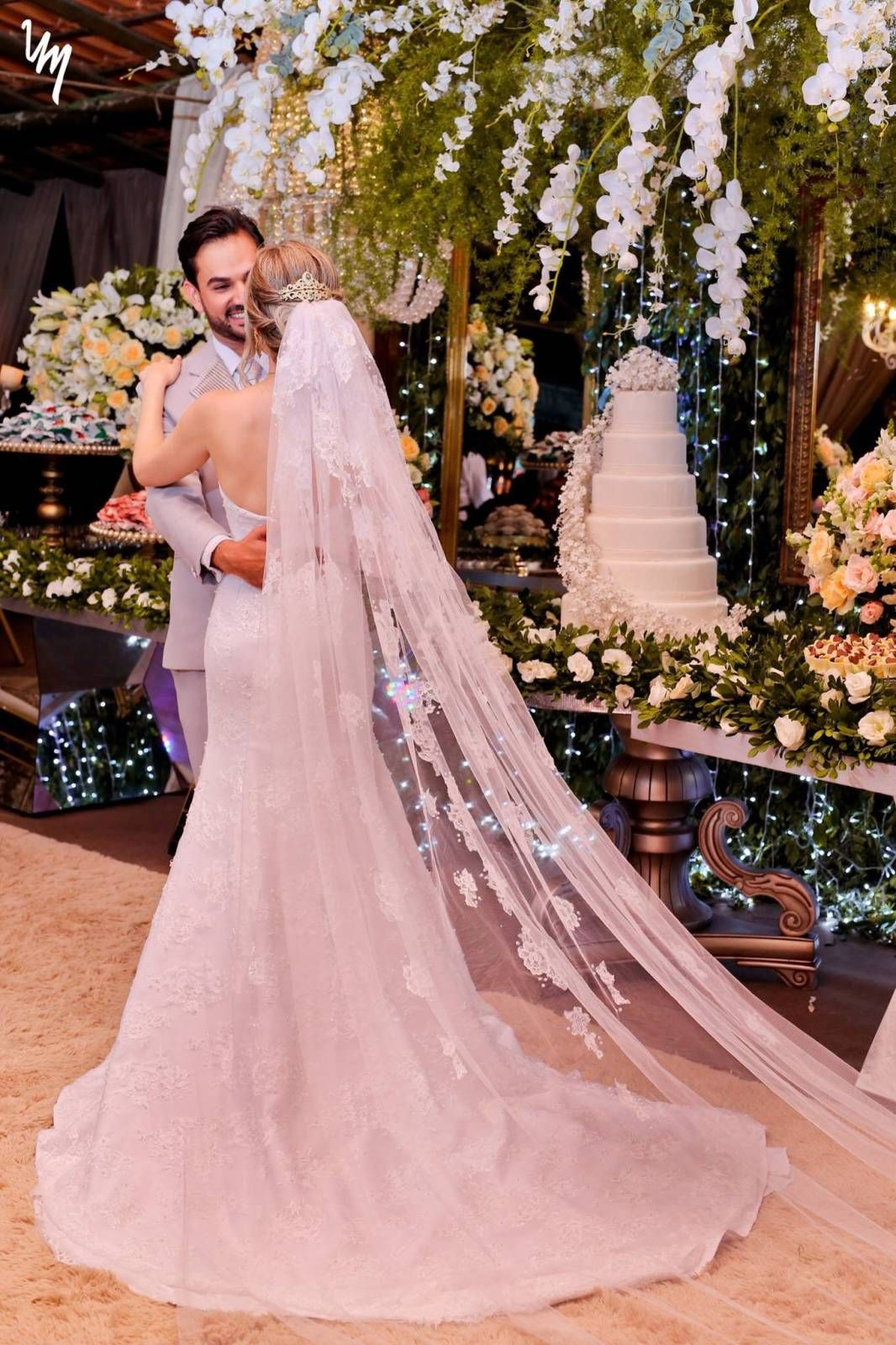 Lindo Vestido De Noiva Renda Chantilly – Empório Lulu | Noiva ...