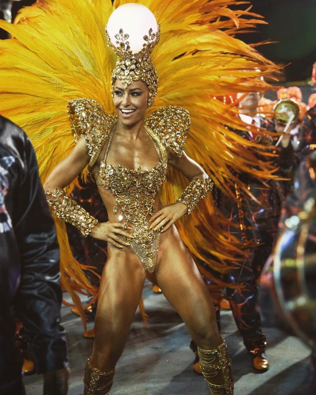 Musa do Carnaval  em produção do posto de rainha da bateria da Vila Isabel,  no RJ (Foto  Reprodução Instagram) ecea4a3529