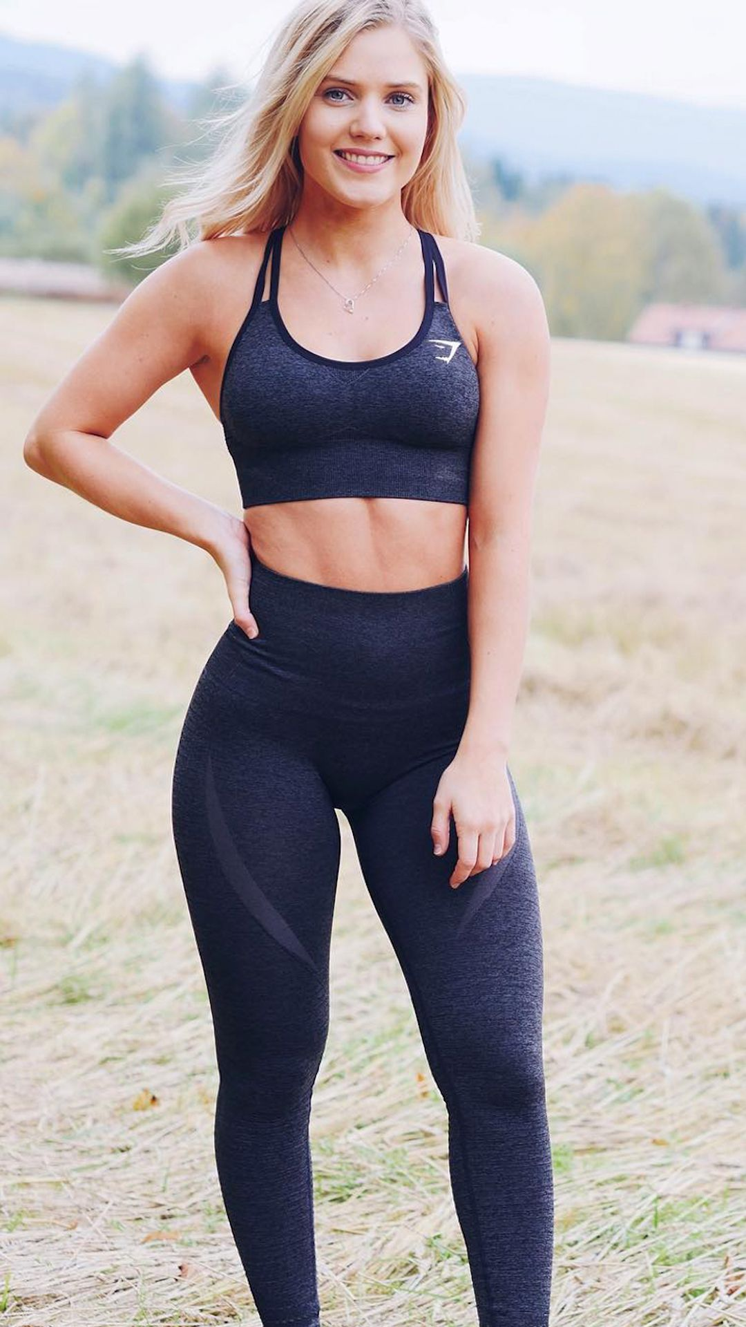54a54ba67d Perfect set.  carola.kristiansen styling the Seamless Cross-Back Sports Bra  and High Waisted Leggings in Black Marl.
