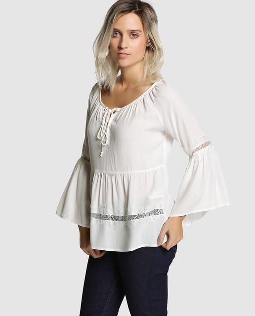 11aa0fbf362 Blusa de mujer Fórmula Joven blanca con encaje