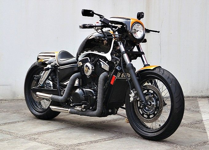 Studio Motor Custom Honda Shadow 1100 Bikermy Inner Desire