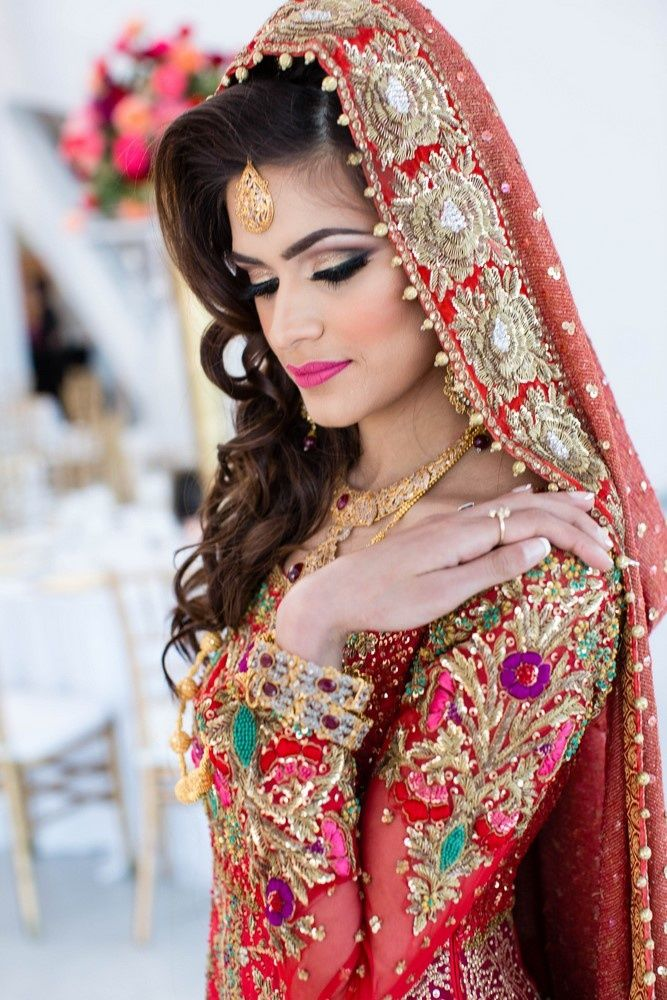 Photo Of Bridal Makeup And Hairstyle For Muslim Bride Muslim Bride Bridal Outfits Muslim Brides